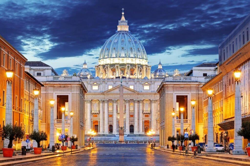 Vatican dress code